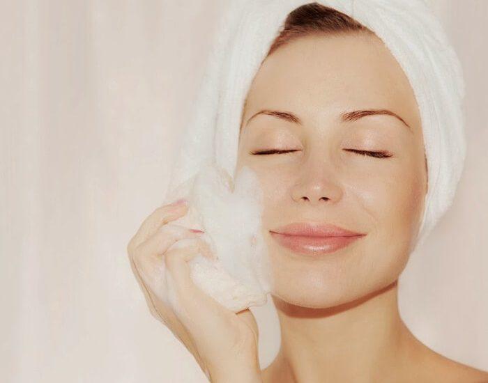 Quy trình rửa mặt bằng sữa tươi