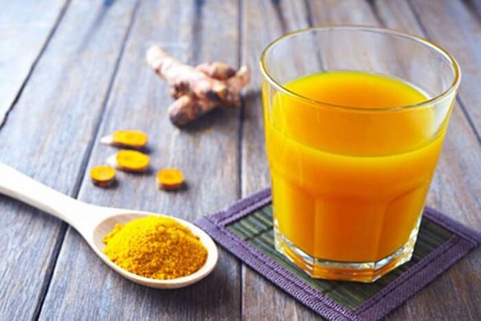 Nên uống tinh bột nghệ trước khi ăn để làm đẹp, giảm cân