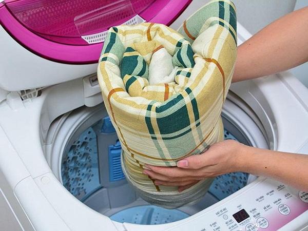 Một Số Lưu Ý Khi Giặt Chăn Điện